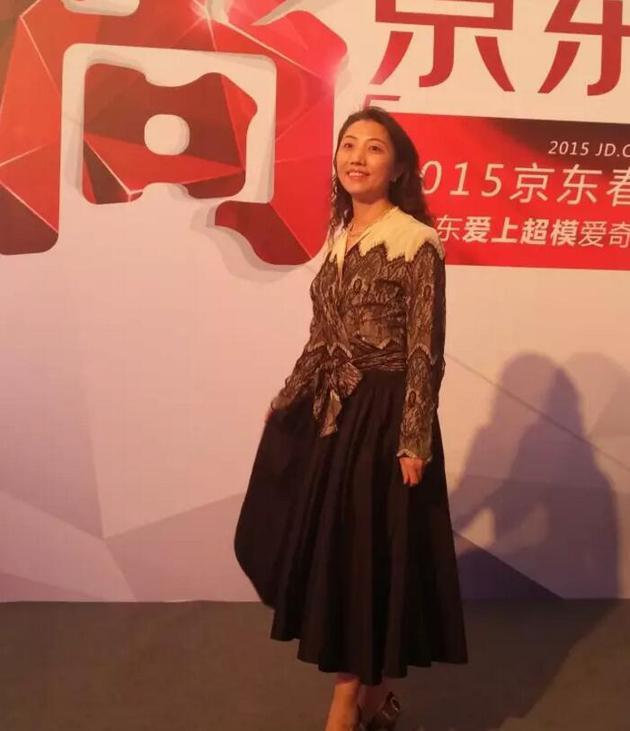 """推广京东的服装业务,李曦带领团队策划实施了""""尚京东""""系列活动"""
